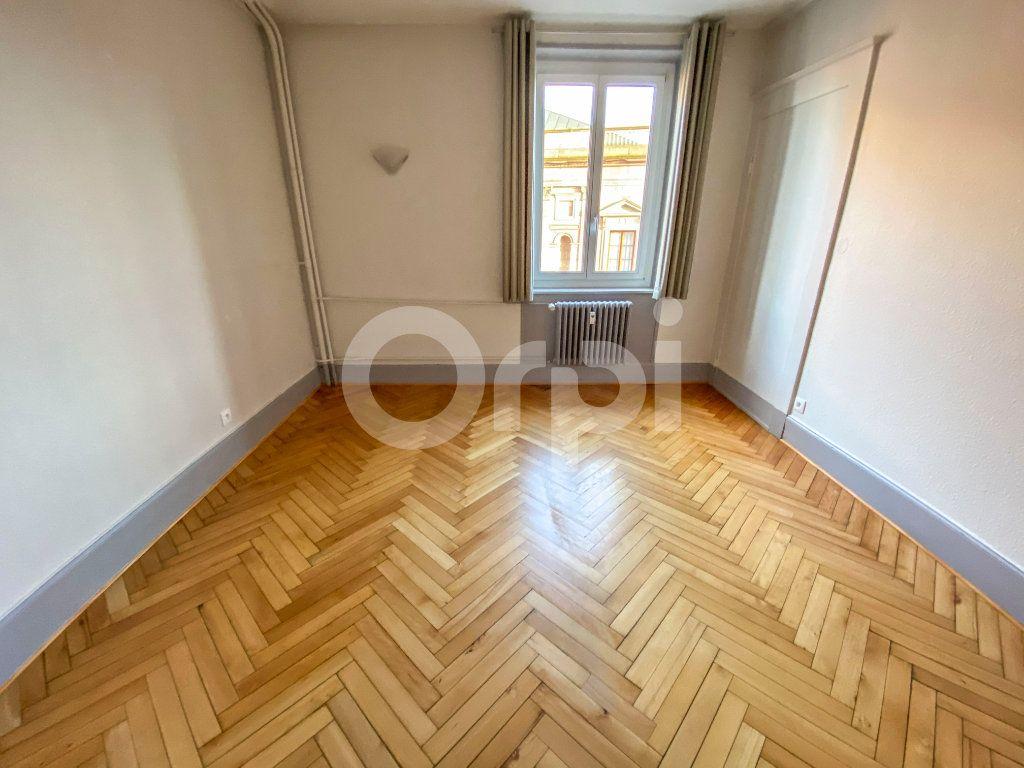 Appartement à louer 3 83m2 à Colmar vignette-4
