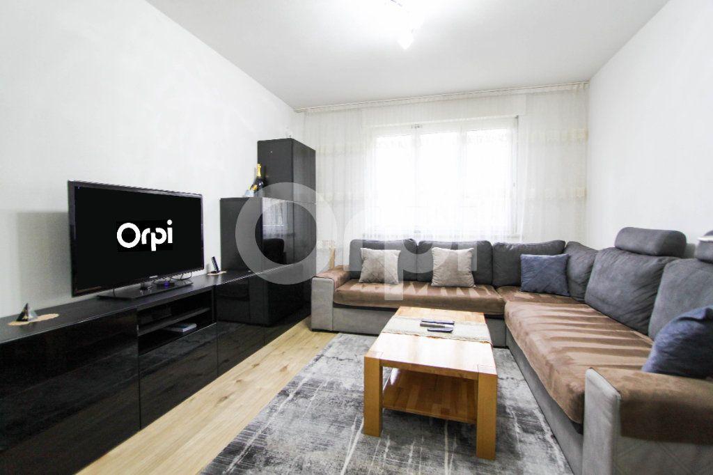 Appartement à vendre 4 67.38m2 à Mulhouse vignette-1