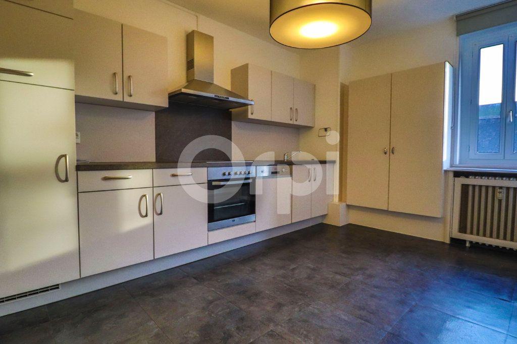 Appartement à louer 3 70m2 à Colmar vignette-3