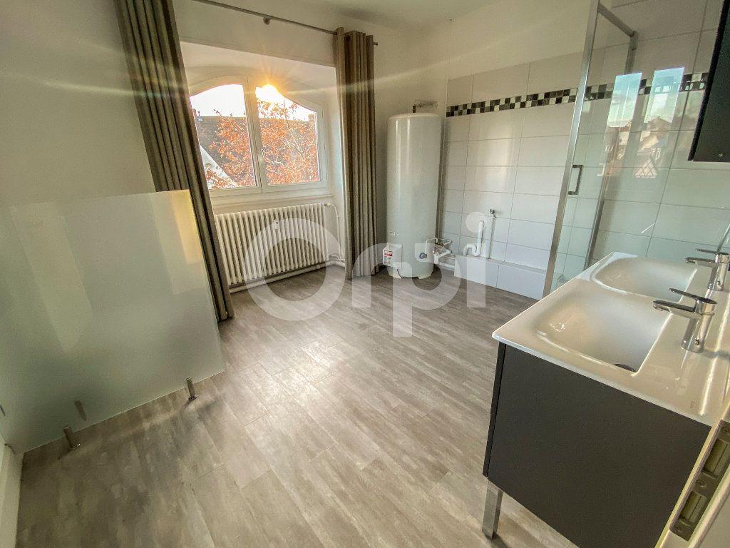 Appartement à louer 3 70m2 à Colmar vignette-4