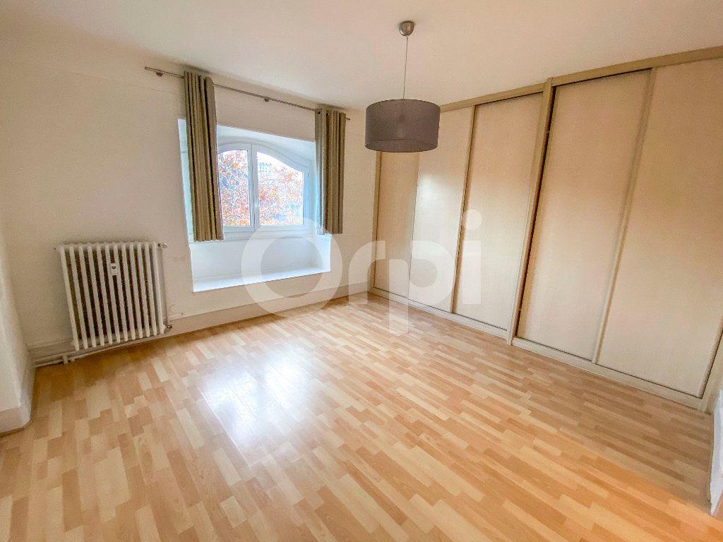 Appartement à louer 3 85m2 à Colmar vignette-5