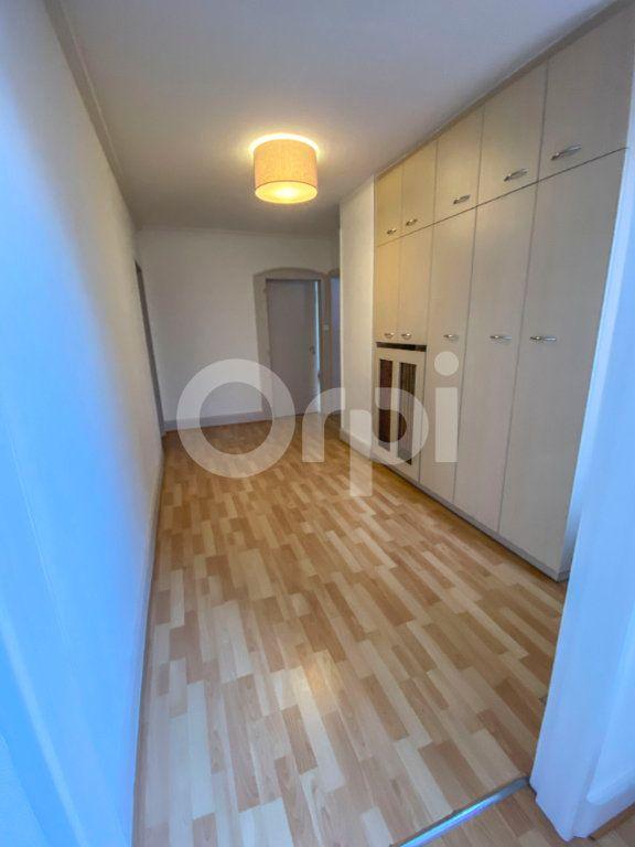 Appartement à louer 3 85m2 à Colmar vignette-7