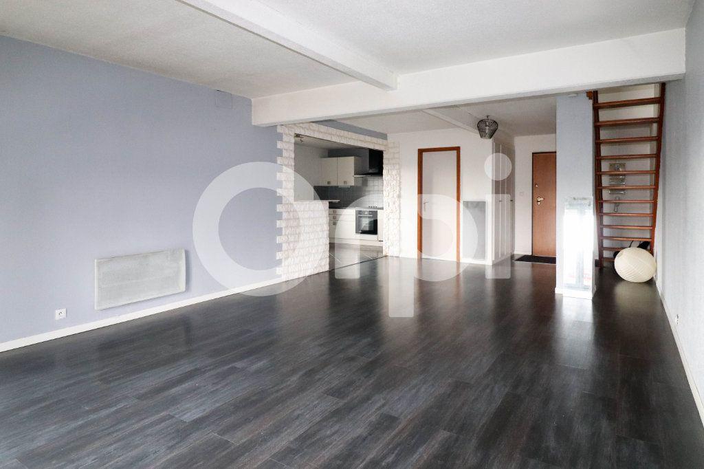 Appartement à vendre 3 113m2 à Mulhouse vignette-1