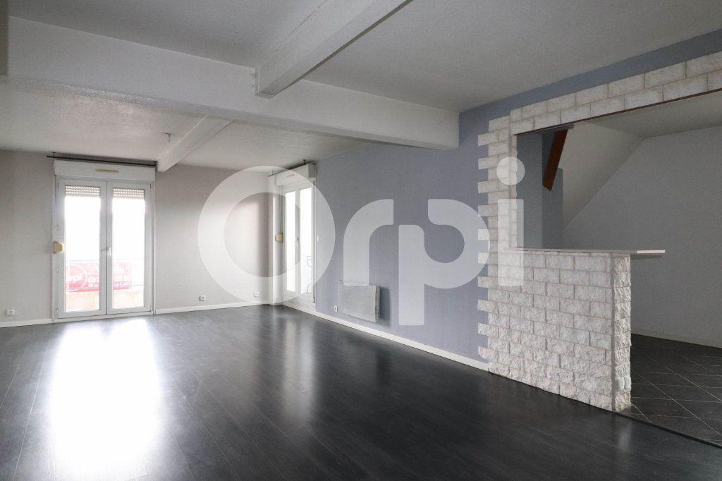 Appartement à vendre 3 113m2 à Mulhouse vignette-2