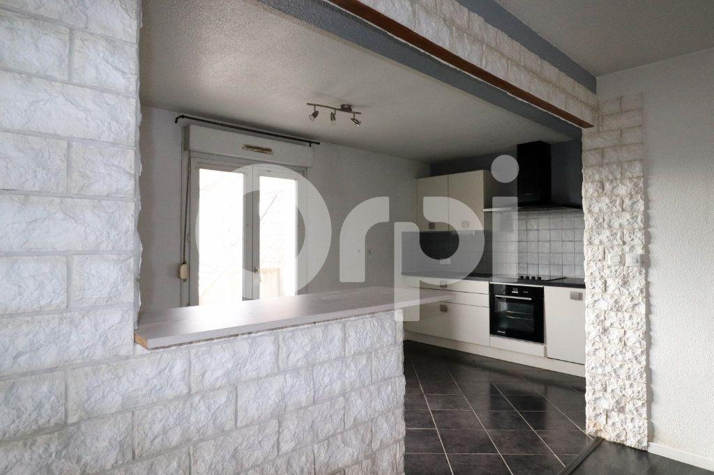 Appartement à vendre 3 113m2 à Mulhouse vignette-3