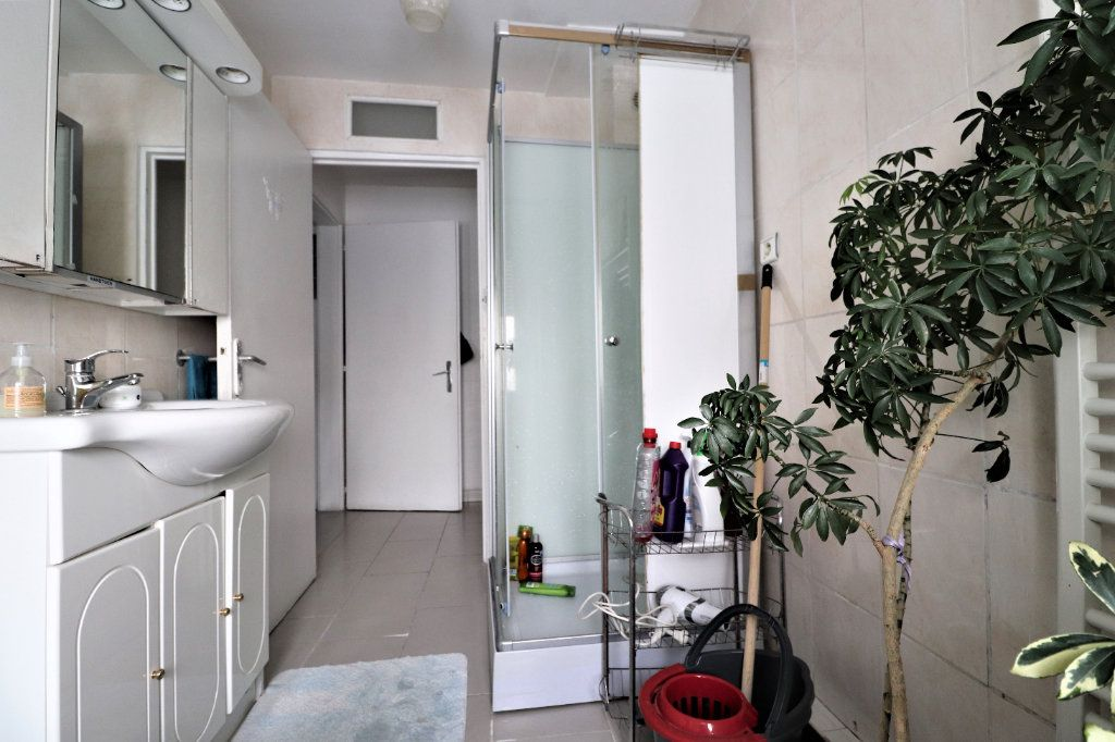 Immeuble à vendre 0 240m2 à Mulhouse vignette-4