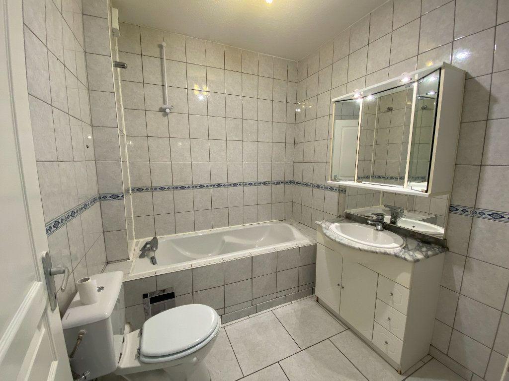 Appartement à louer 3 56m2 à Mulhouse vignette-3