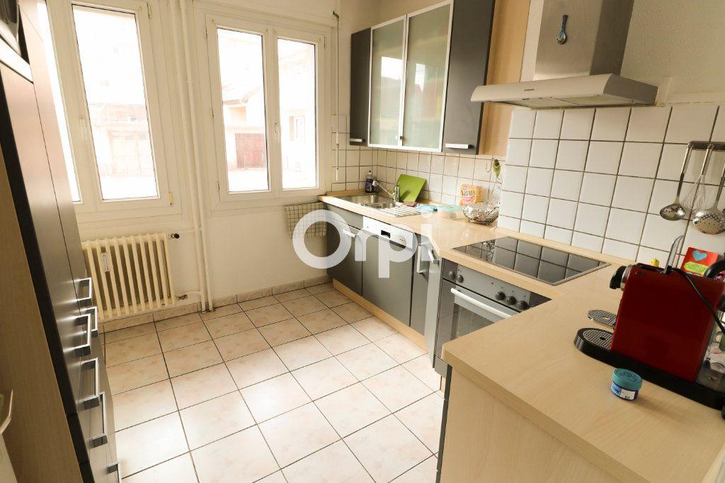 Appartement à vendre 3 70m2 à Wintzenheim vignette-4