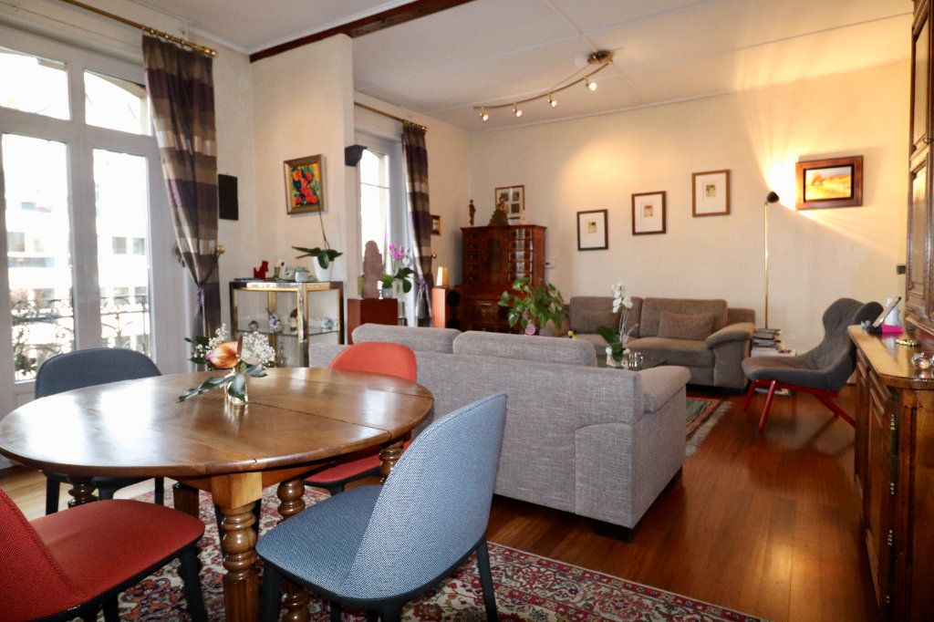 Appartement à vendre 4 94.96m2 à Strasbourg vignette-1