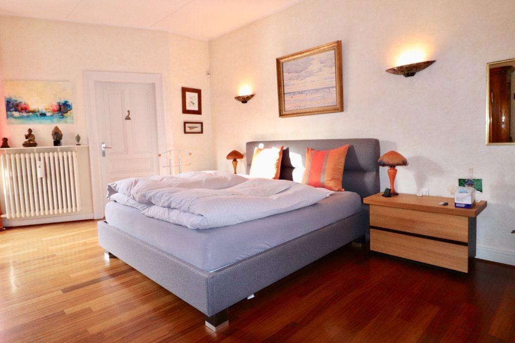 Appartement à vendre 4 94.96m2 à Strasbourg vignette-5
