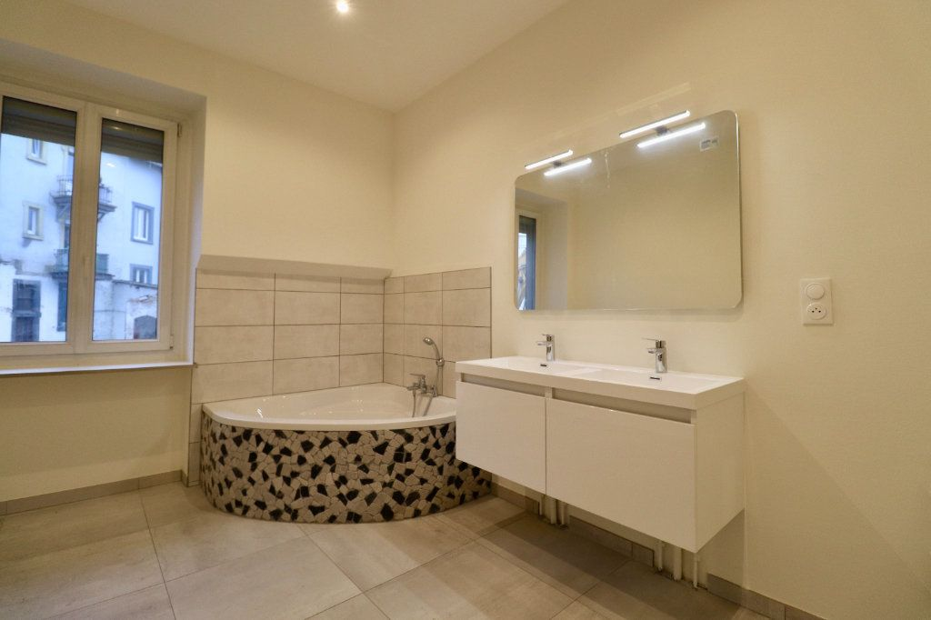 Appartement à vendre 3 85m2 à Strasbourg vignette-3