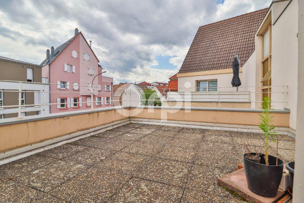 Appartement à vendre 5 117m2 à Colmar vignette-3