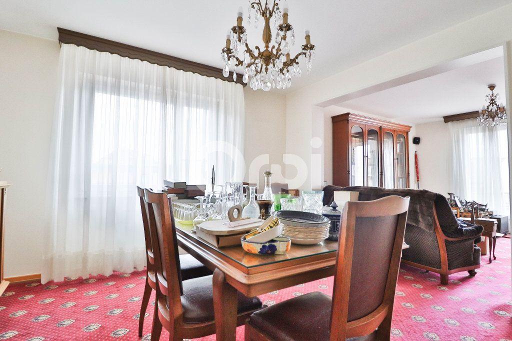 Appartement à vendre 5 117m2 à Colmar vignette-4
