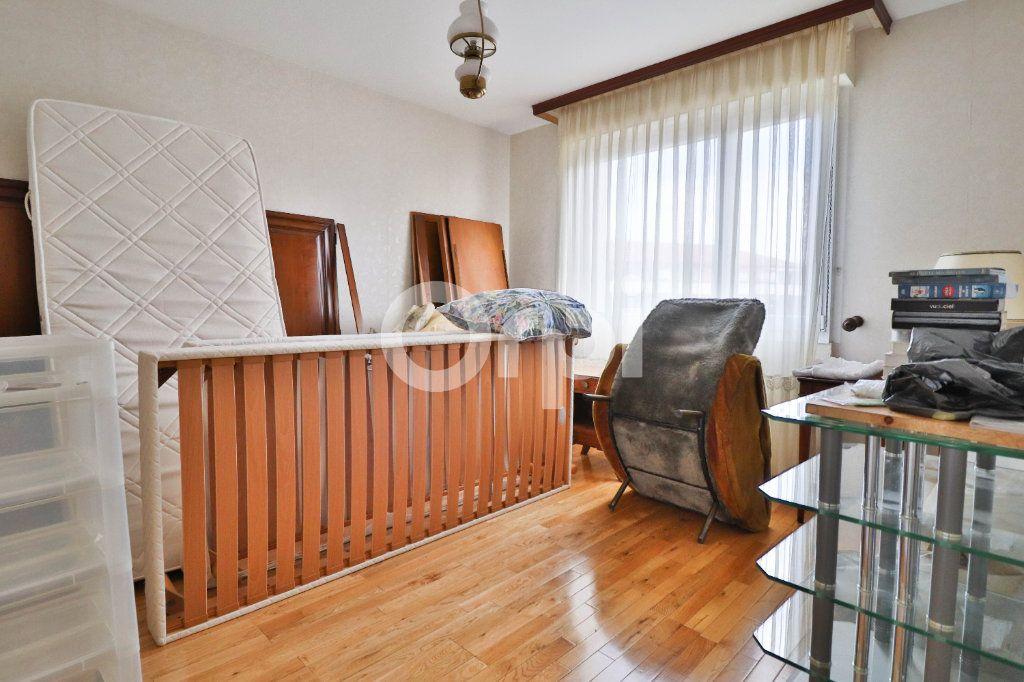 Appartement à vendre 5 117m2 à Colmar vignette-6