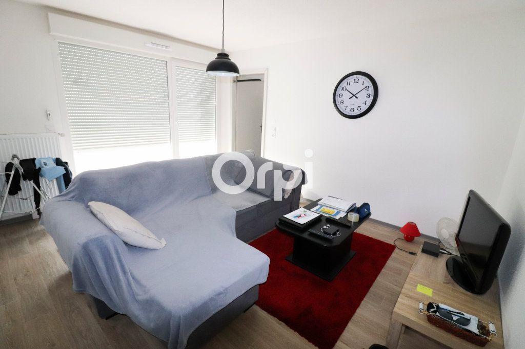 Appartement à louer 2 41.7m2 à Horbourg-Wihr vignette-2