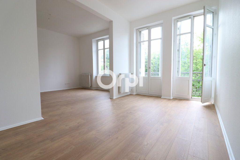 Appartement à louer 4 109m2 à Colmar vignette-1