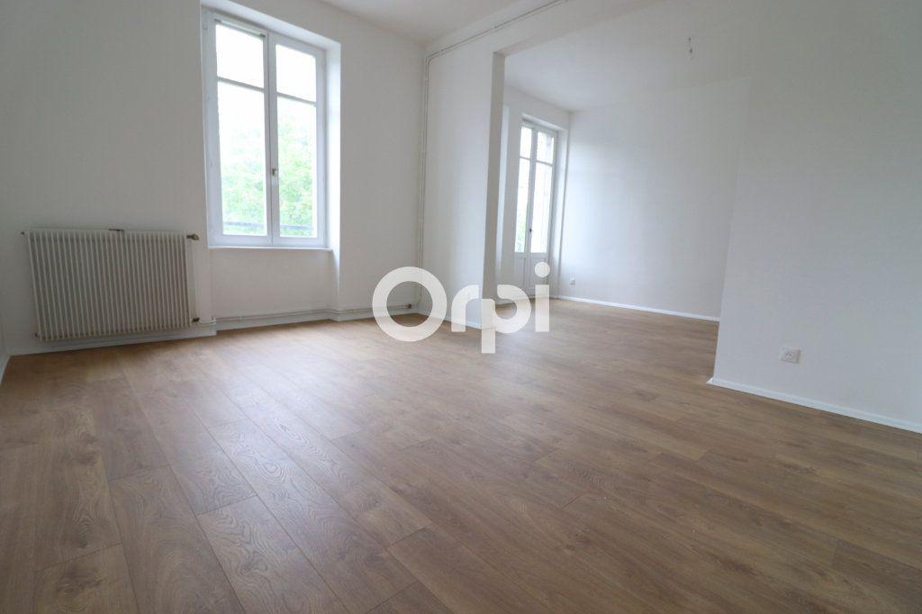 Appartement à louer 4 109m2 à Colmar vignette-2