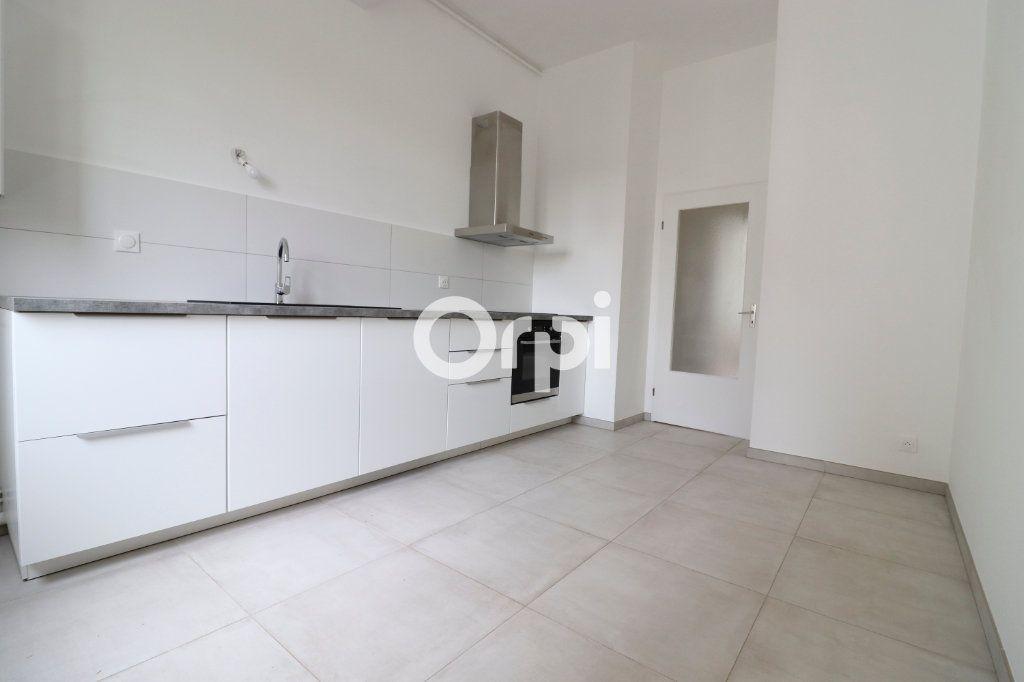 Appartement à louer 4 109m2 à Colmar vignette-3