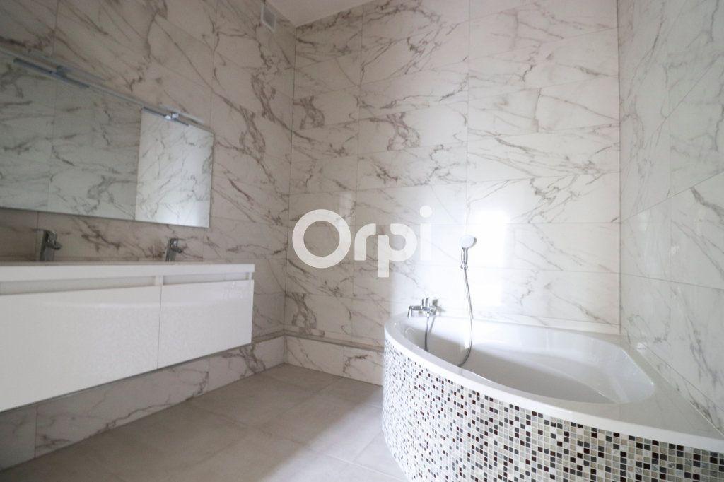 Appartement à louer 4 109m2 à Colmar vignette-4