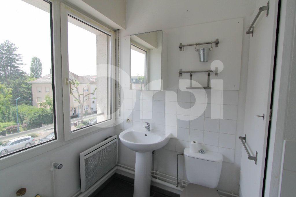 Appartement à louer 1 28.22m2 à Saint-Louis vignette-3