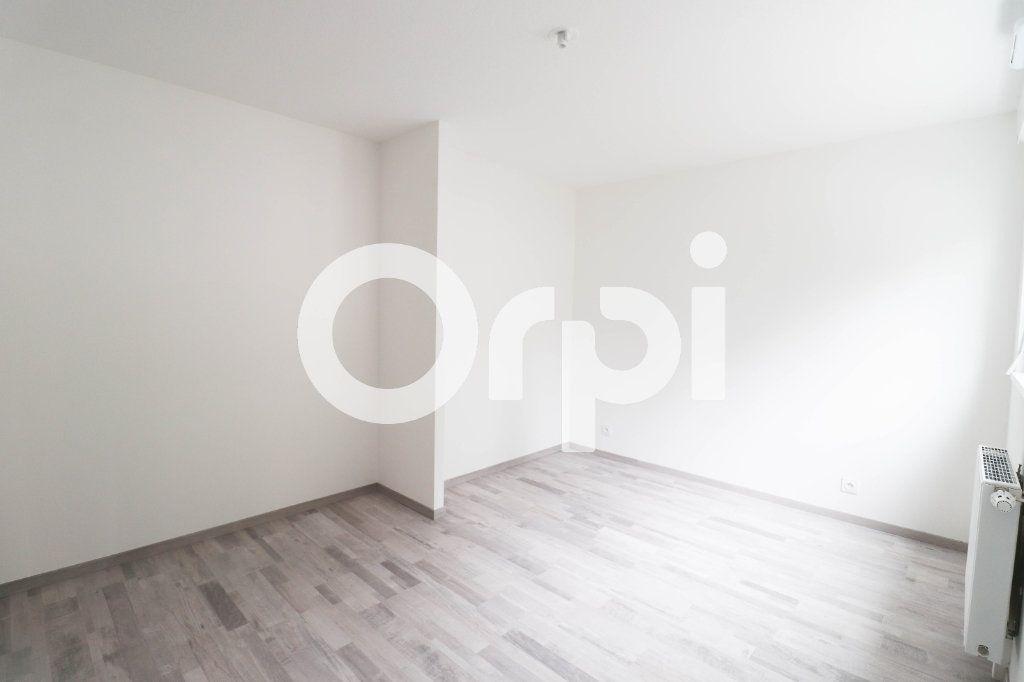 Appartement à louer 2 43.35m2 à Saint-Louis vignette-2