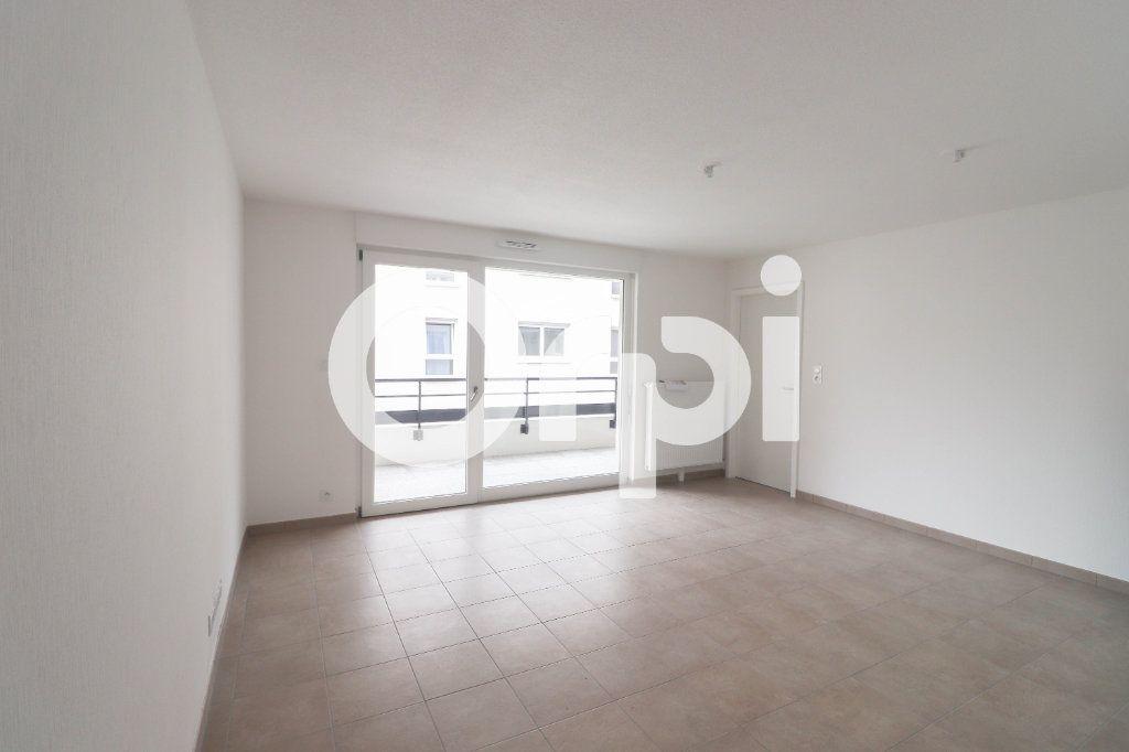 Appartement à louer 2 41.25m2 à Saint-Louis vignette-1