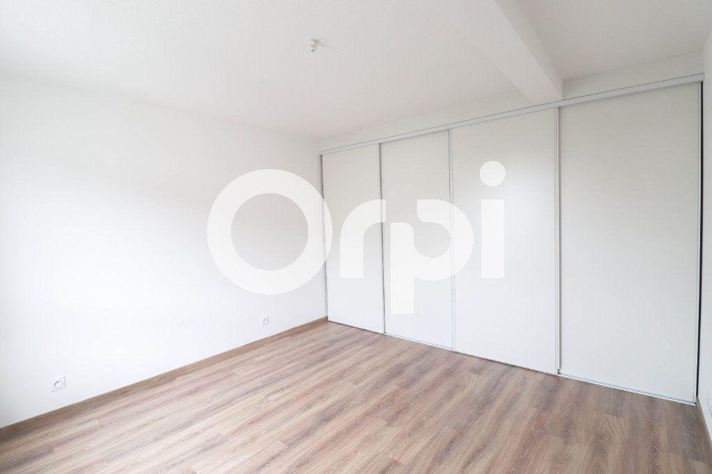 Appartement à louer 2 54.1m2 à Saint-Louis vignette-2