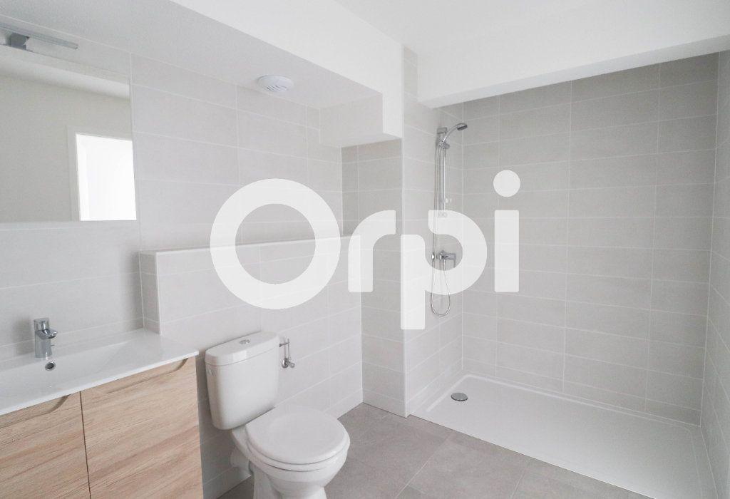 Appartement à louer 2 54.1m2 à Saint-Louis vignette-3