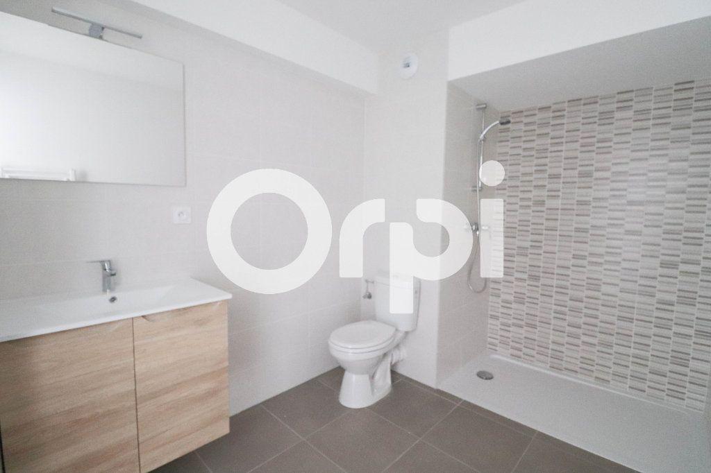 Appartement à louer 2 0m2 à Saint-Louis vignette-3