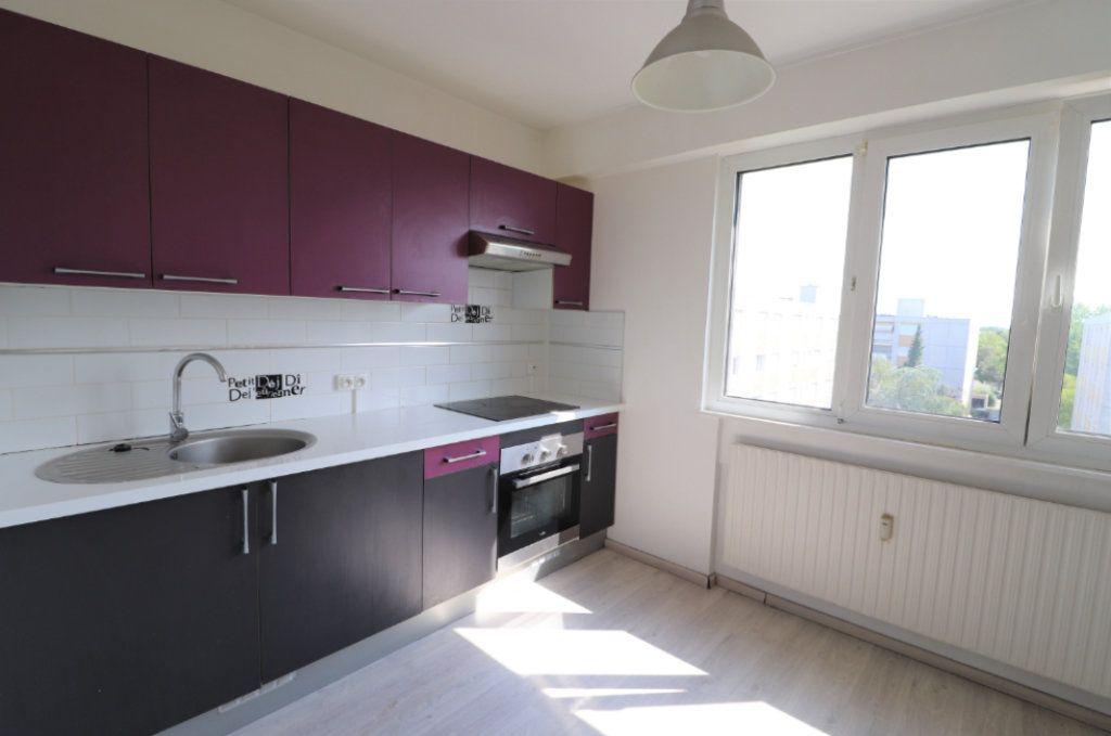 Appartement à louer 3 65m2 à Mulhouse vignette-1