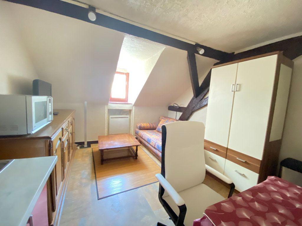 Appartement à louer 1 15m2 à Mulhouse vignette-2