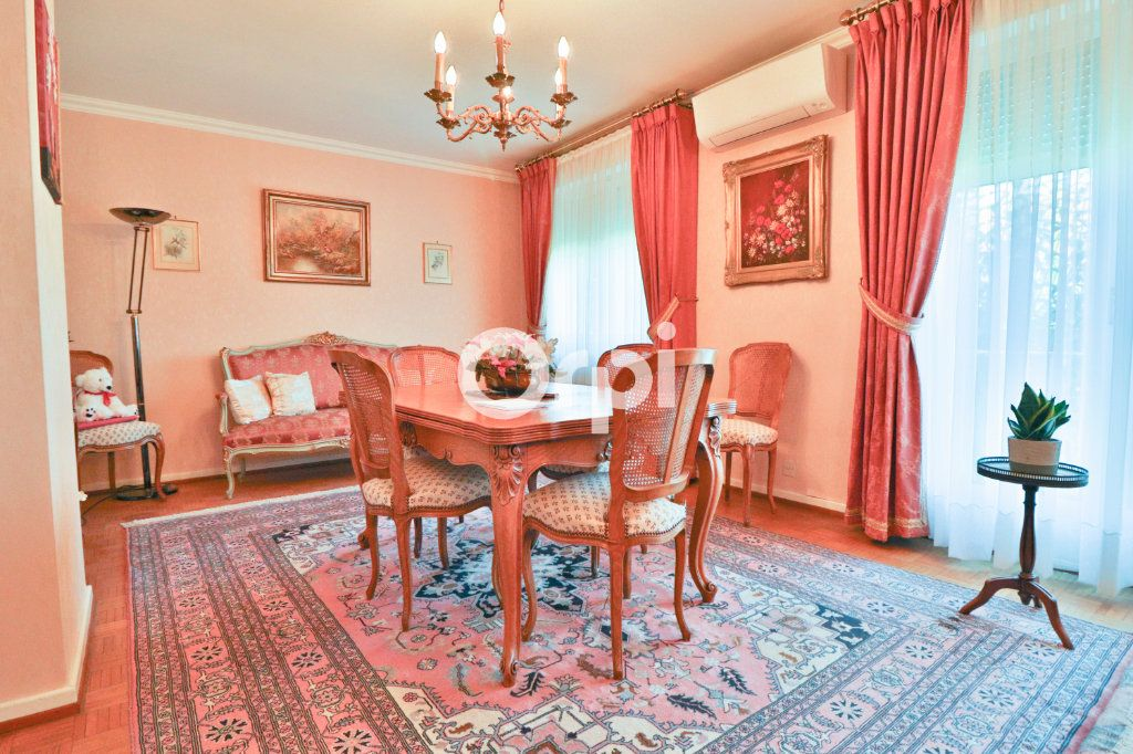 Maison à vendre 4 100m2 à Colmar vignette-4