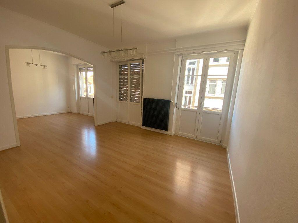 Appartement à louer 3 87.88m2 à Mulhouse vignette-1