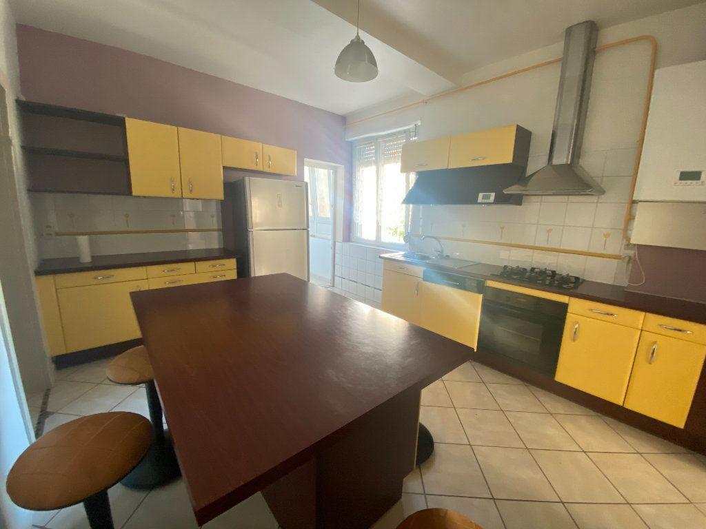 Appartement à louer 3 87.88m2 à Mulhouse vignette-2