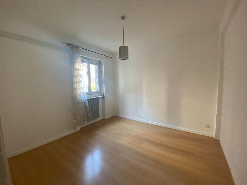 Appartement à louer 3 87.88m2 à Mulhouse vignette-3