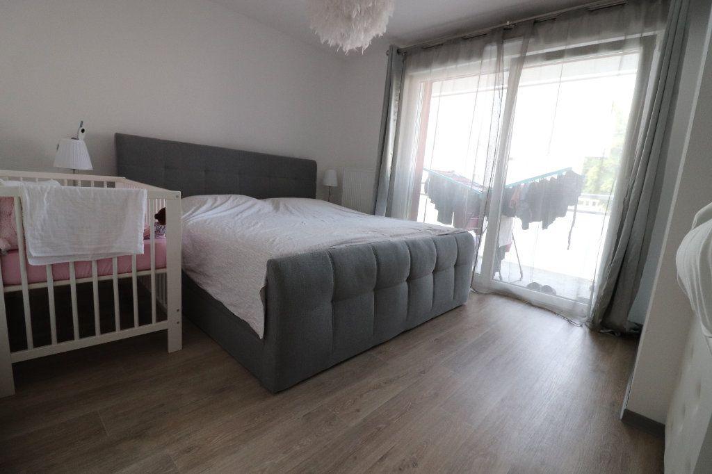 Appartement à louer 3 68.3m2 à Horbourg-Wihr vignette-3