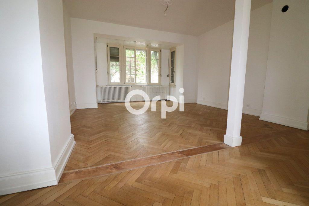 Appartement à louer 4 113.2m2 à Colmar vignette-1