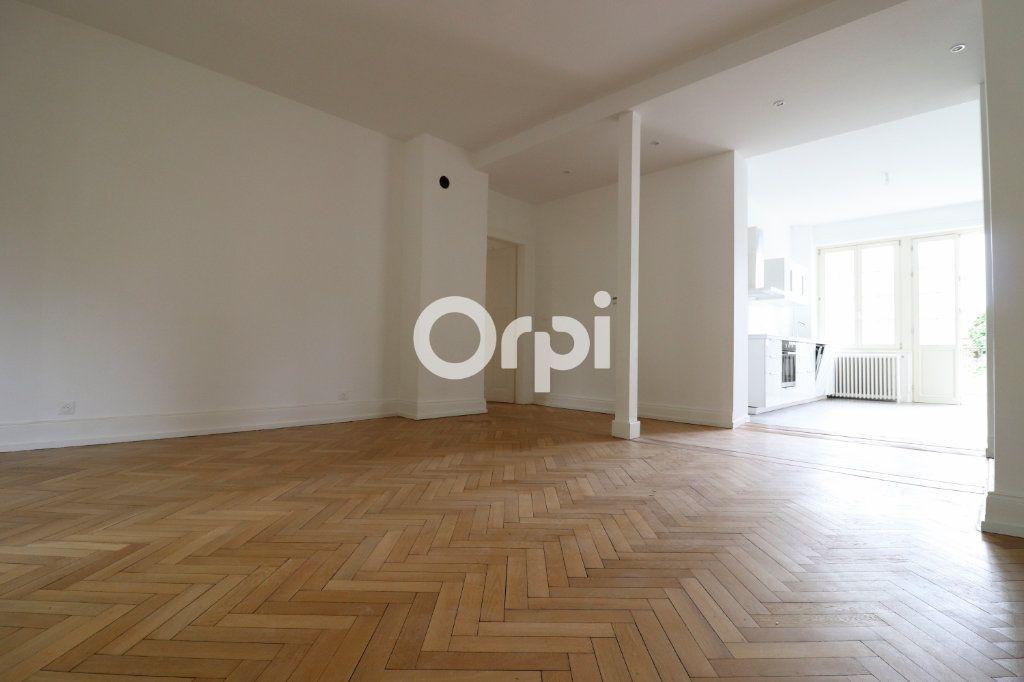 Appartement à louer 4 113.2m2 à Colmar vignette-2