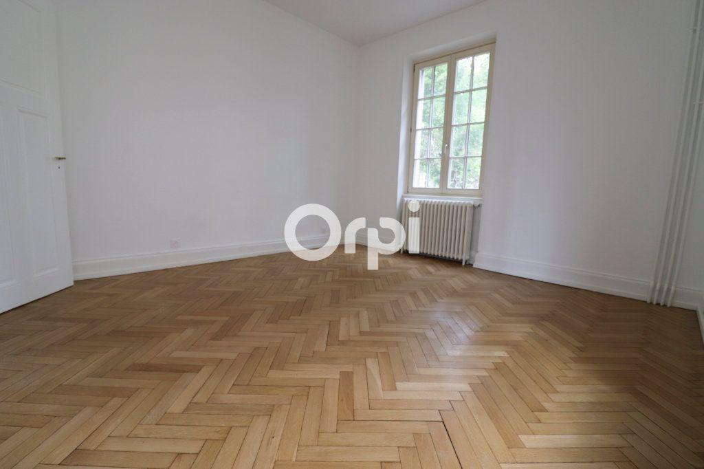 Appartement à louer 4 113.2m2 à Colmar vignette-4