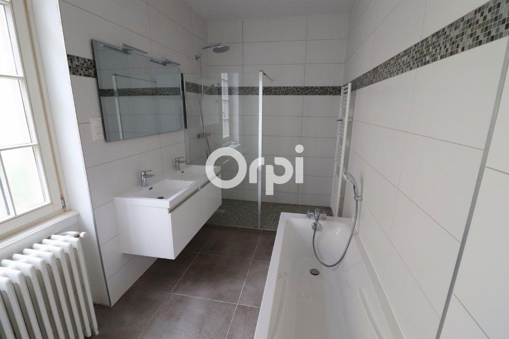 Appartement à louer 4 113.2m2 à Colmar vignette-5