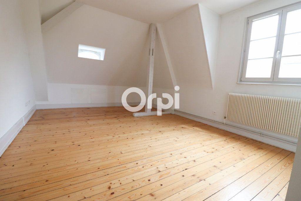 Appartement à louer 4 112.56m2 à Colmar vignette-1
