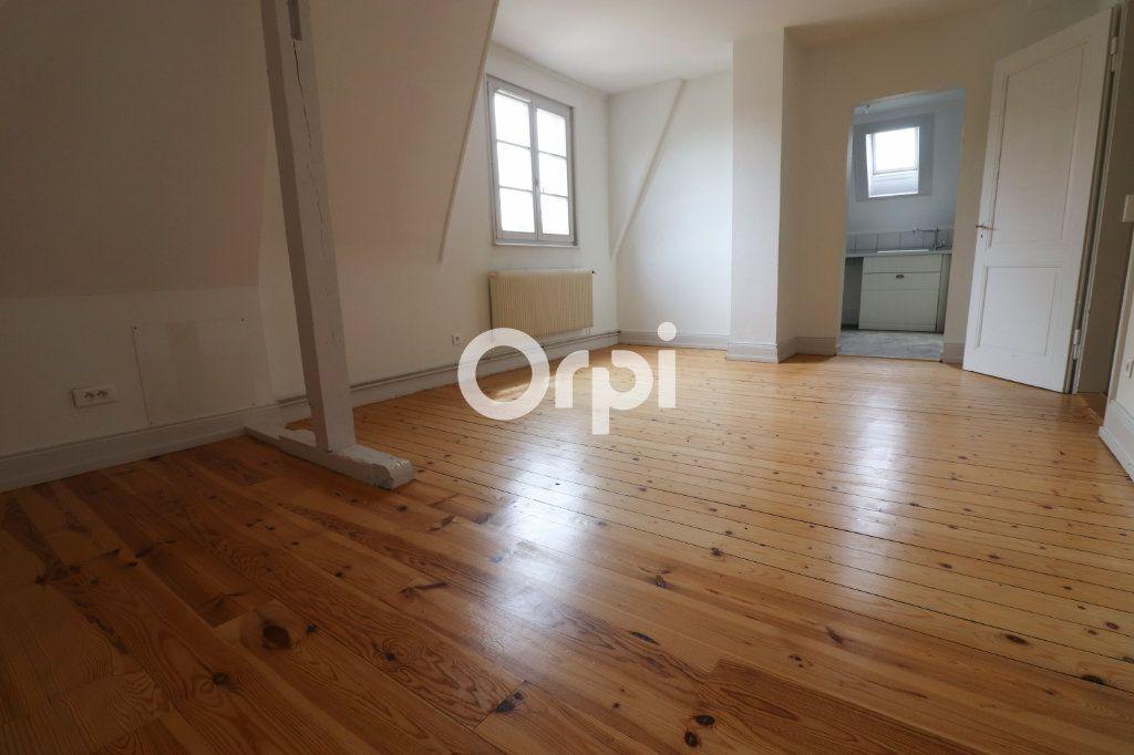 Appartement à louer 4 112.56m2 à Colmar vignette-2
