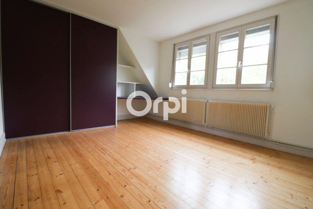 Appartement à louer 4 112.56m2 à Colmar vignette-4