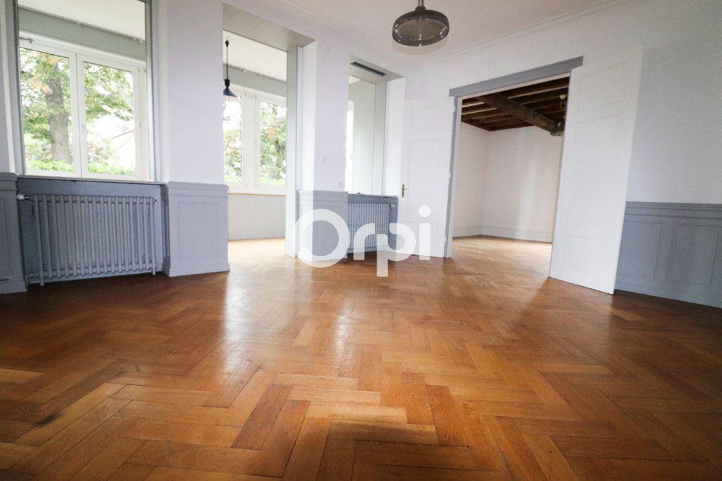 Appartement à louer 5 136.75m2 à Colmar vignette-1
