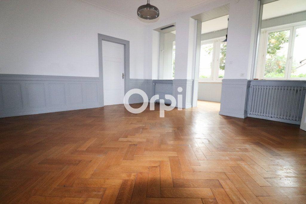 Appartement à louer 5 136.75m2 à Colmar vignette-2