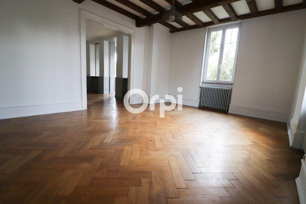 Appartement à louer 5 136.75m2 à Colmar vignette-3