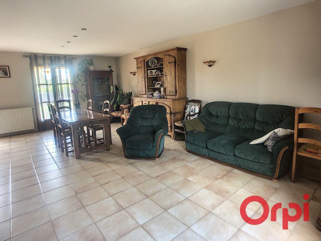 Maison à vendre 5 121m2 à Saint-Amand-Montrond vignette-6