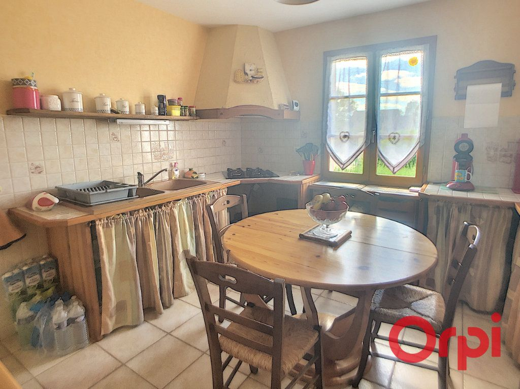 Maison à vendre 5 121m2 à Saint-Amand-Montrond vignette-7
