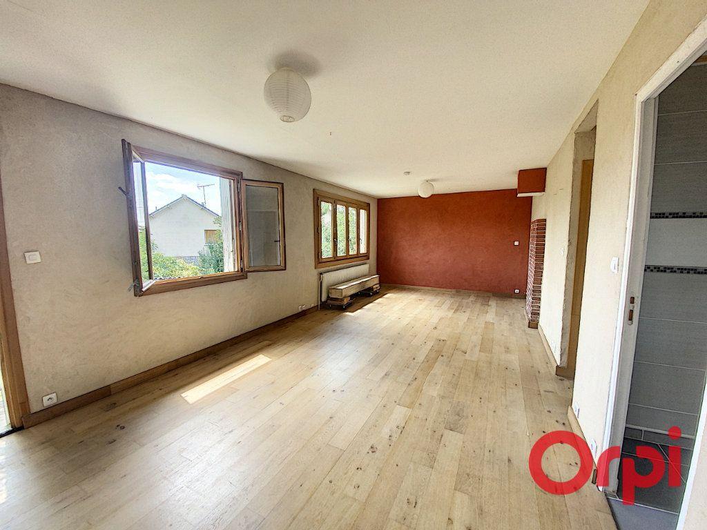 Maison à vendre 5 85m2 à Saint-Amand-Montrond vignette-1