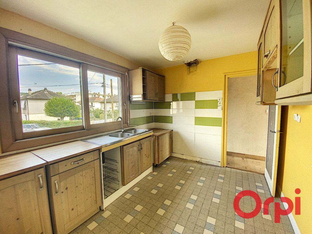 Maison à vendre 5 85m2 à Saint-Amand-Montrond vignette-3